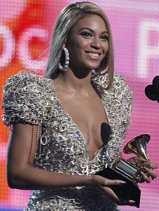 GrammyBeyonceEarrings.jpg