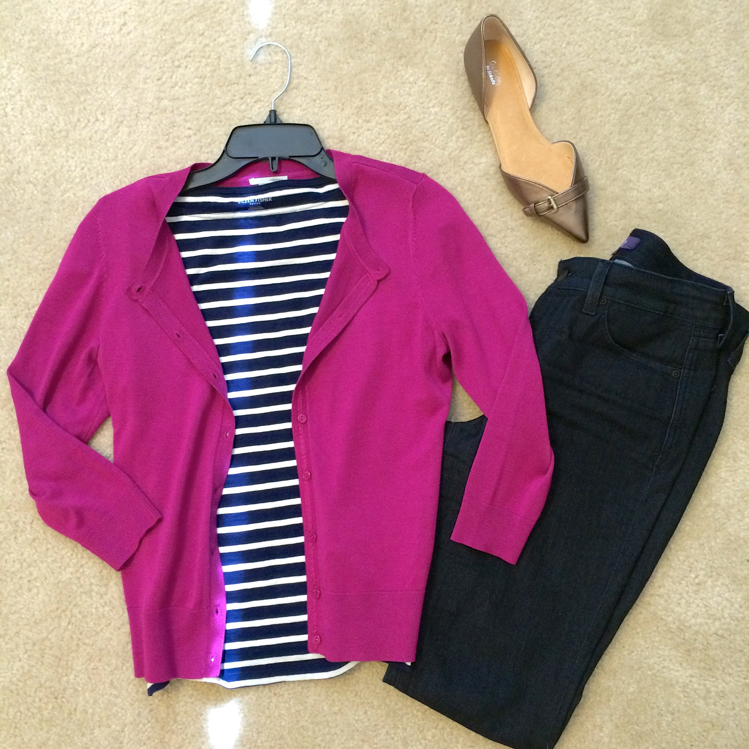 You can play with fun color combinations whether you're dressed up or dressed down. On the weekend, pair jeans with a navy striped t-shirt and pop color cardigan. It's infinitely more stylish than wearing yoga pants all day, but just as easy to pull together.