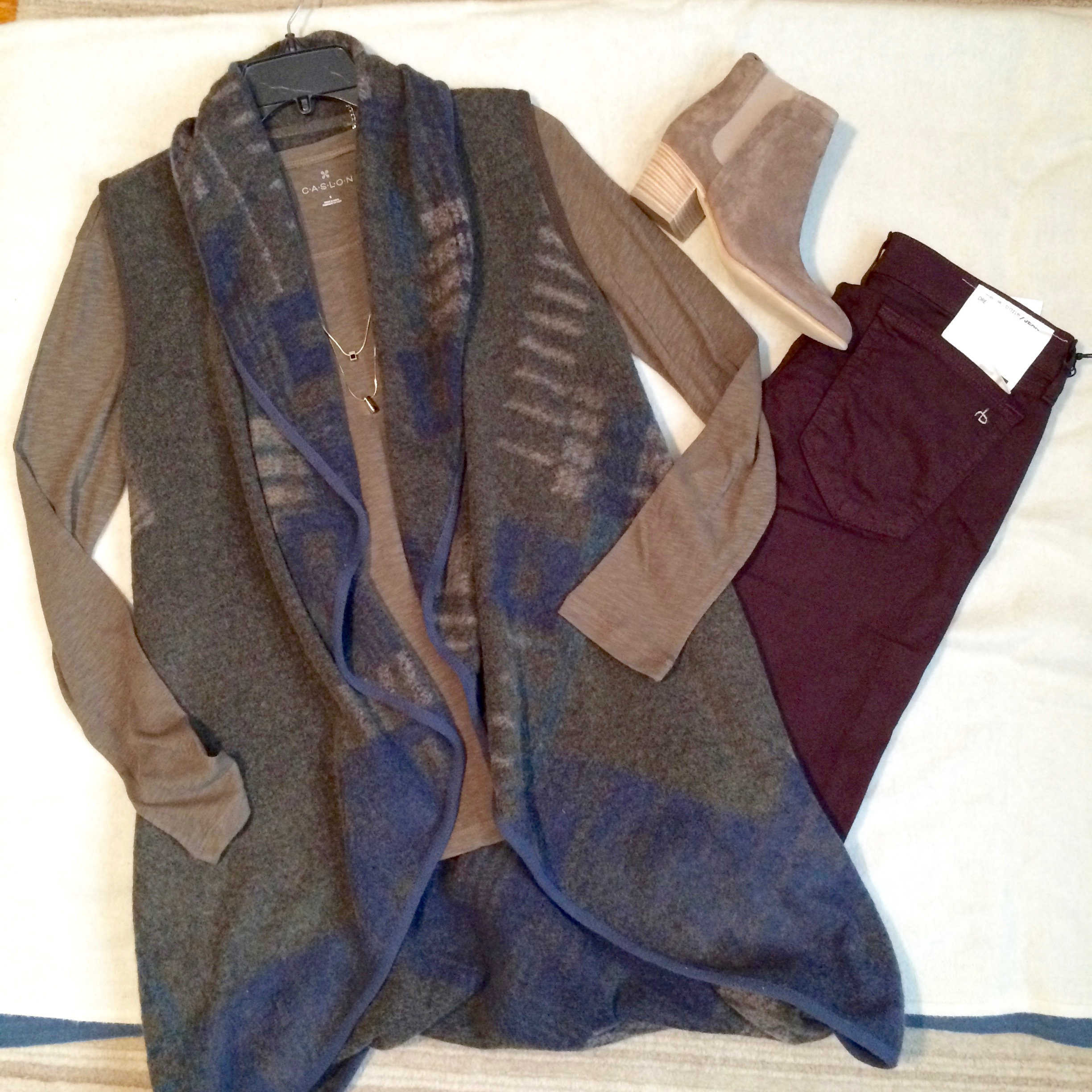 colored jeans and long vest.jpg
