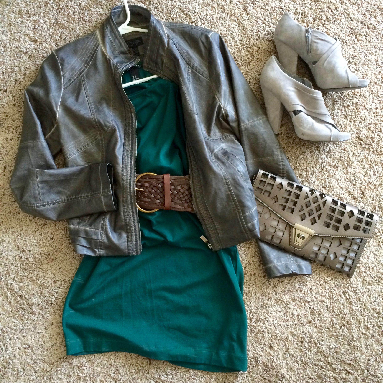 knit dress and heels.jpg