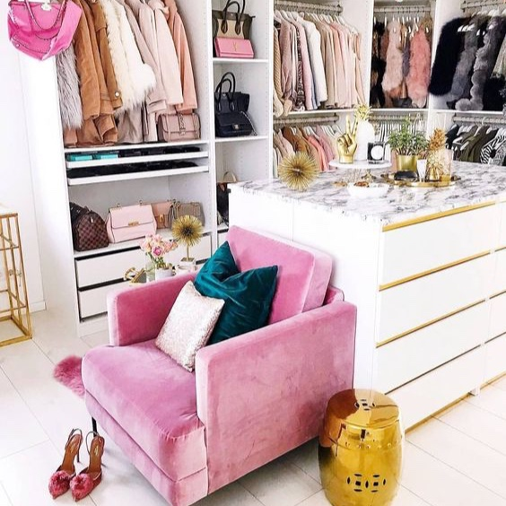 pink+chair+in+closet.jpg