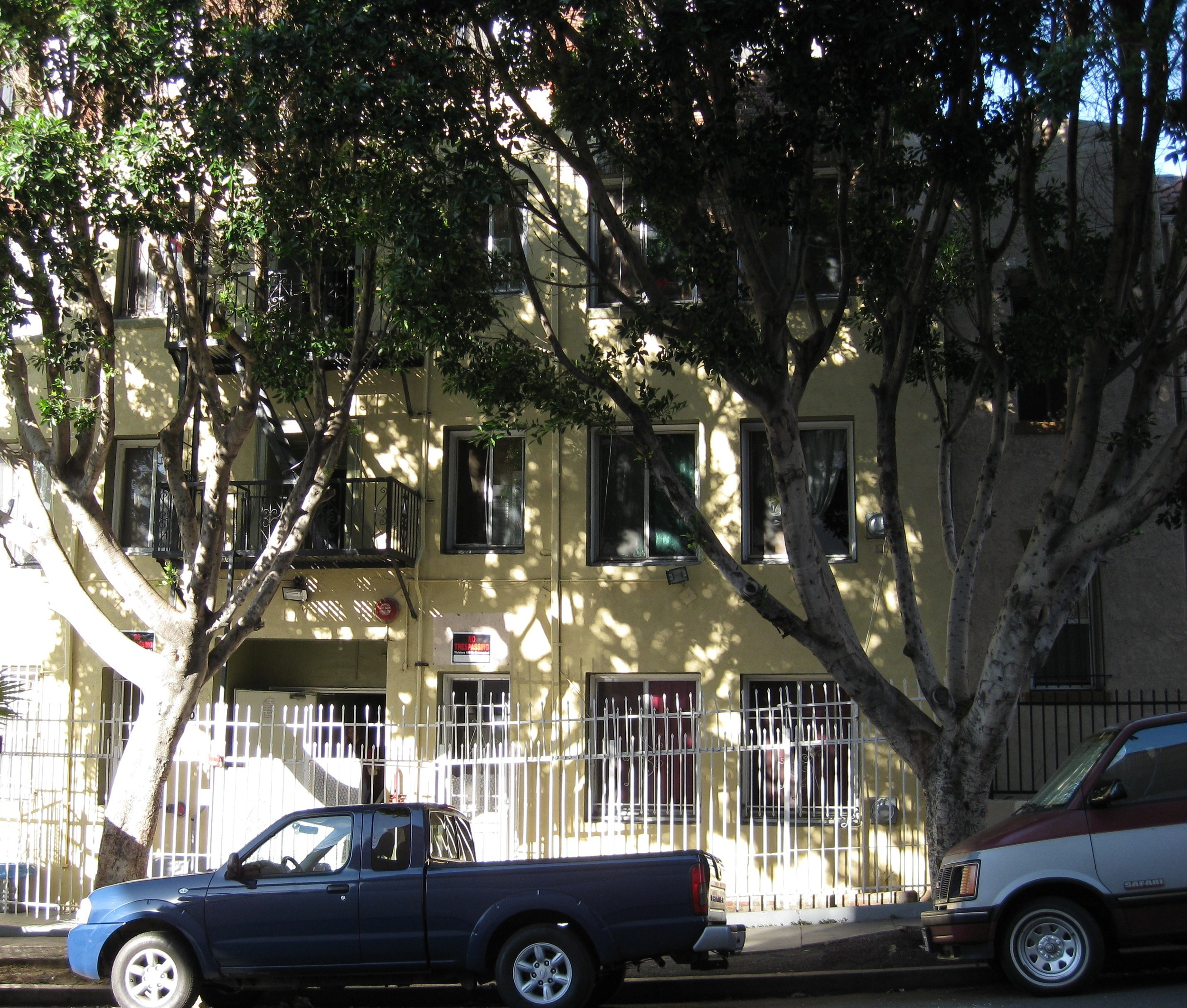 Type : Multi-Family Units : 48 Price : $2,400,000
