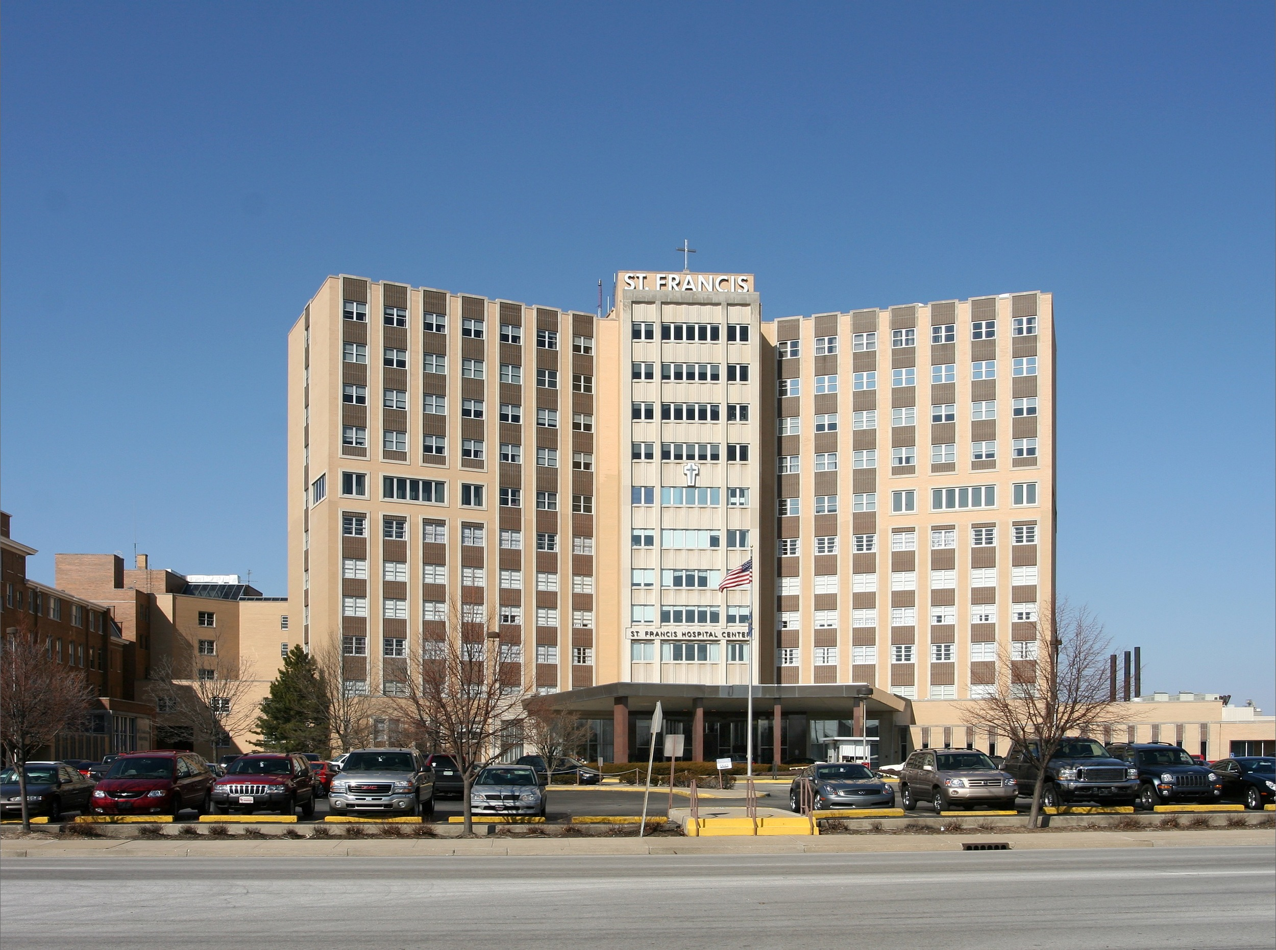 Type : Medical Office  Square Feet : 811,412  Price : $17,940,000