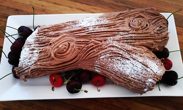 Homemade Black Forest #Christmas Log.#buchedenoel #wontlastlong #chocolate #wickeddesserts #naturedesign