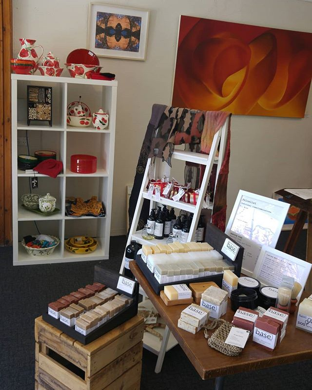 #placesandspaces pop up shop looking good this morning in #queanbeyan. Lots of #beautiful #ethical #local wares for mum.