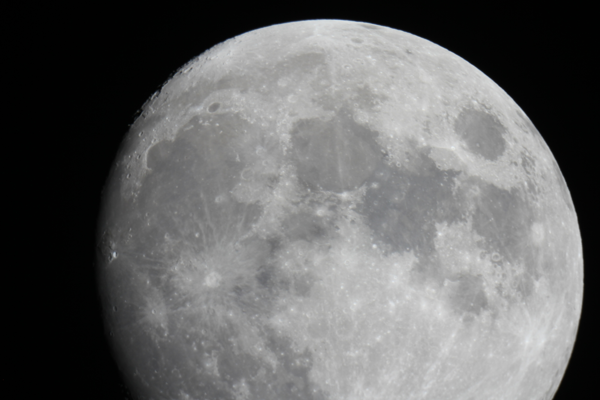 The waxing gibbous Moon will be visible.