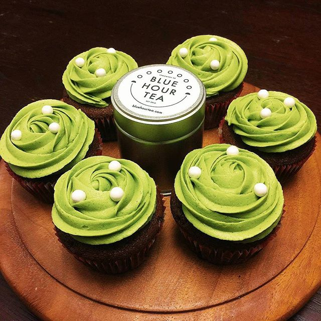 Chocolate cupcakes with Matcha icing, need I say more!😃🍰 Made by @mikeynyuri