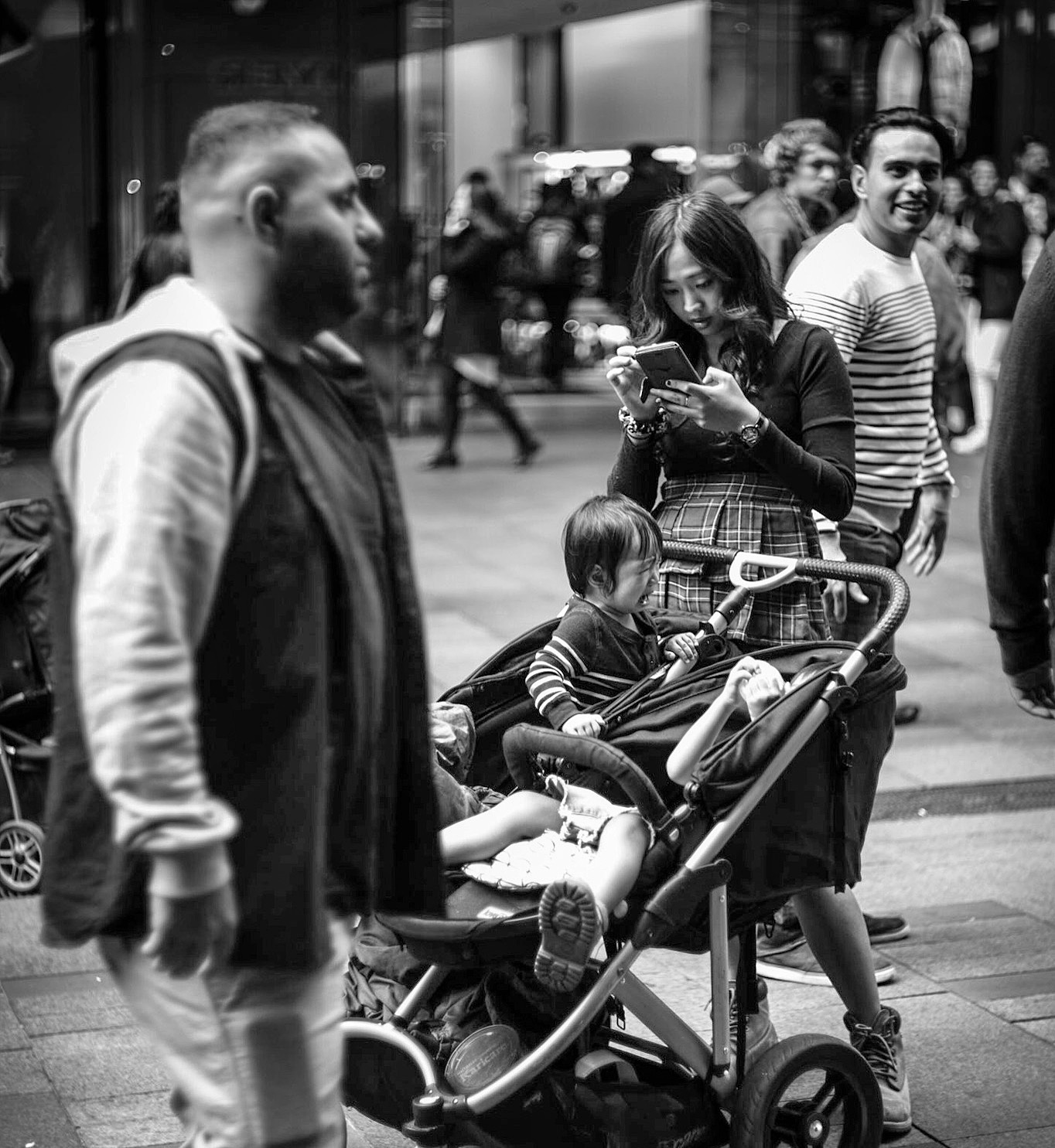 Leica Monochrome + Canon 50mm F0.95   Street Shot @F2