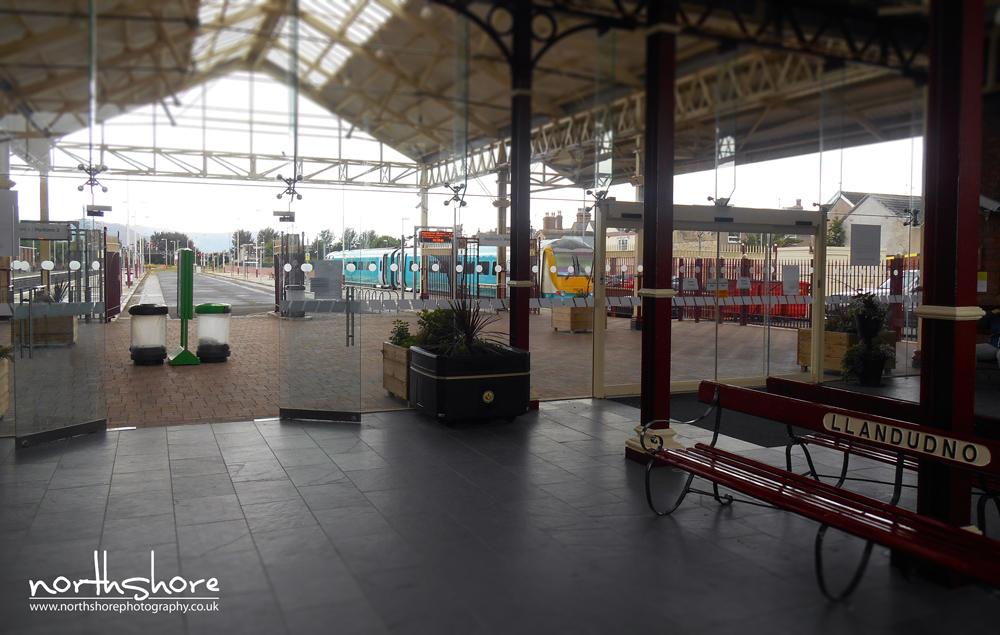 Llandudno-train-station-picture.jpg