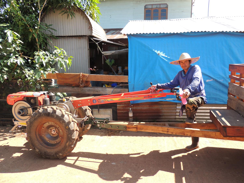 P0027 Tractor.jpg