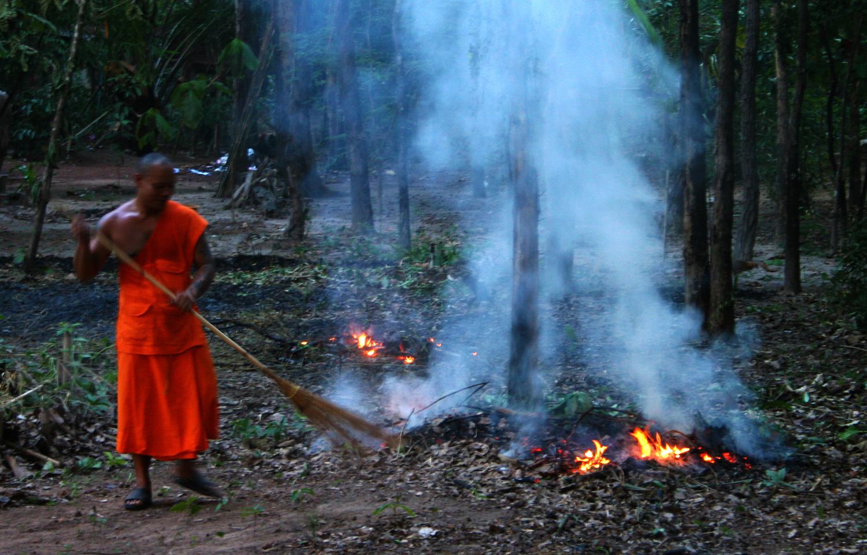 P0166 Monks11.jpg