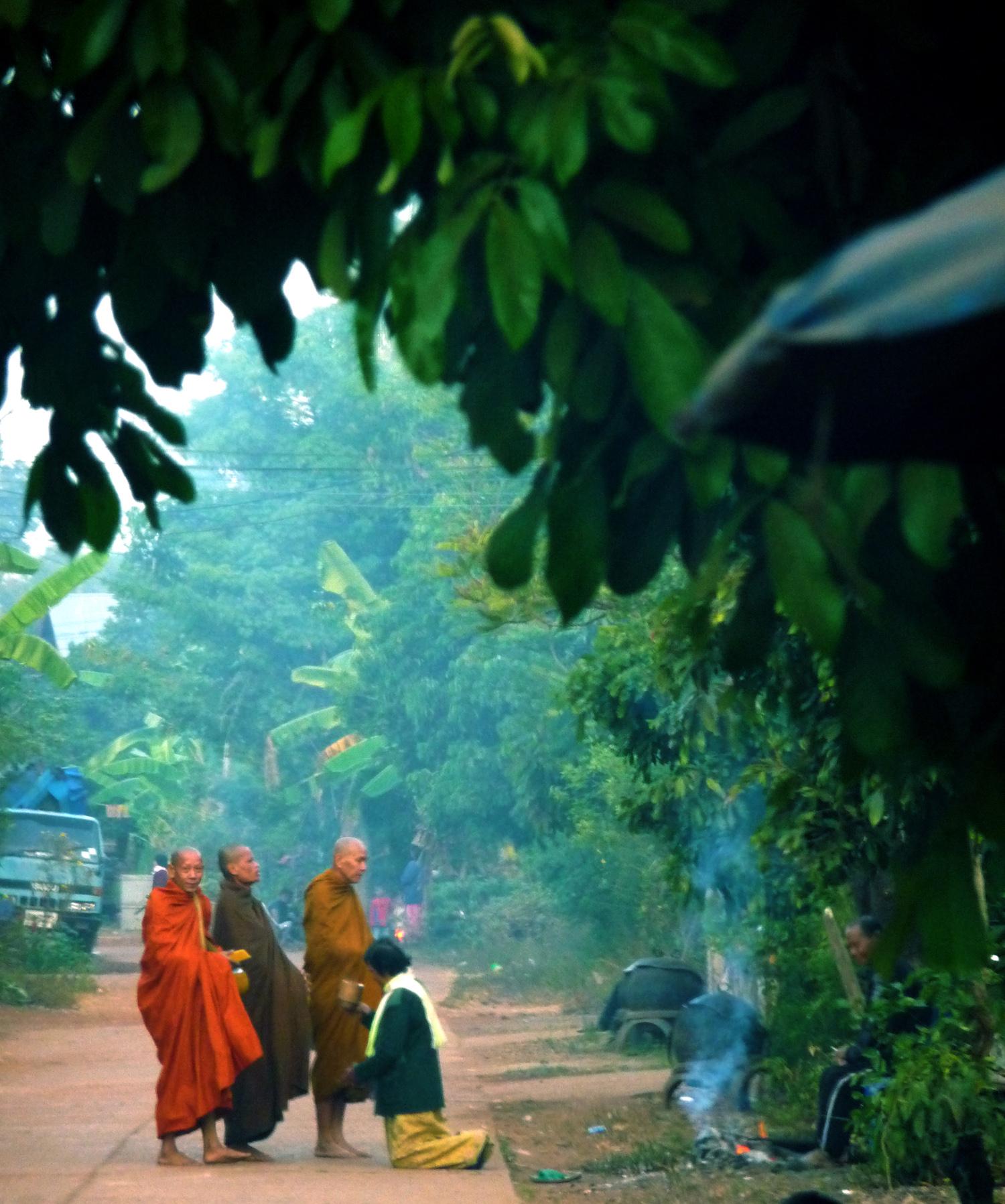 P0175 Monks02.jpg
