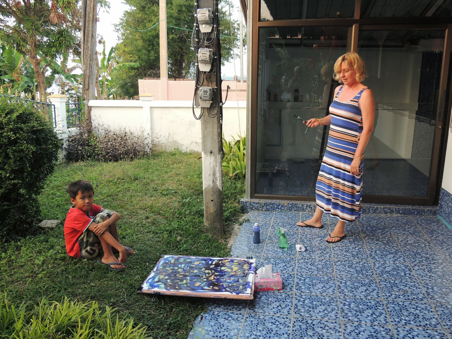 Artist Amanda on a painting holiday in Thailand  001.jpg