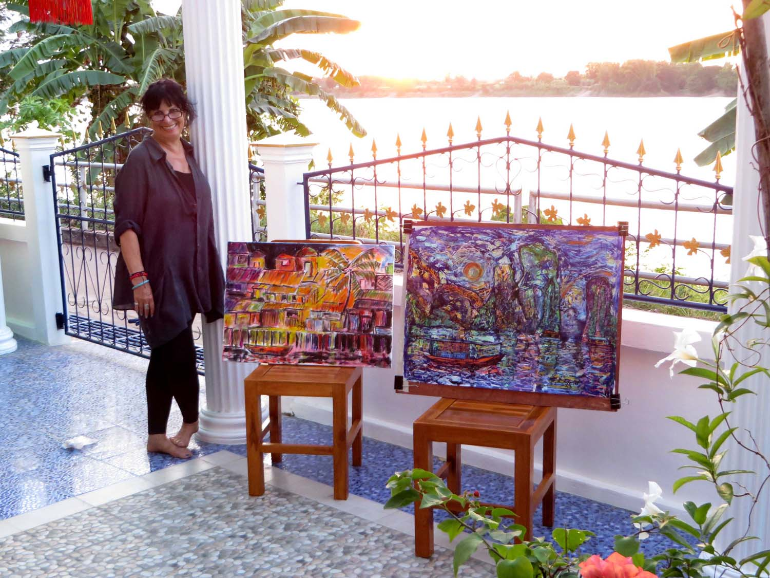 Artist Lydia enjoying a painting holiday in Thailand  008.jpg