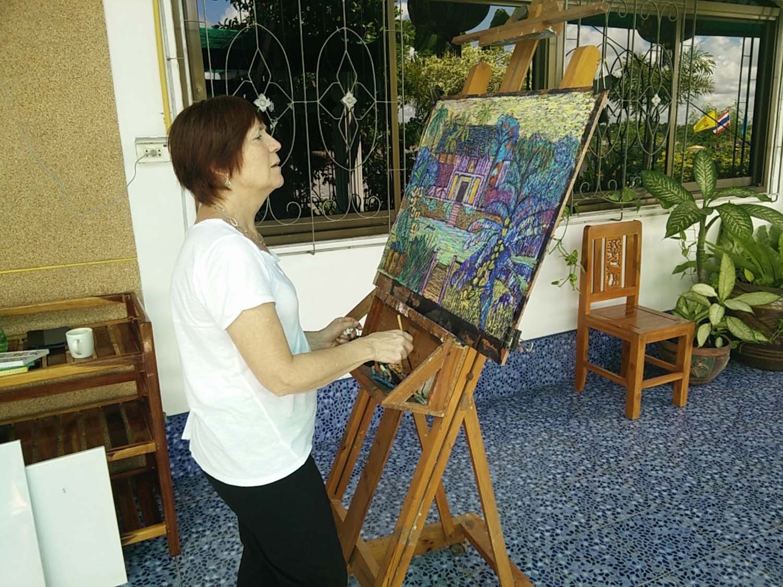 Artist Susan enjoying a painting holiday in Thailand  000.jpg