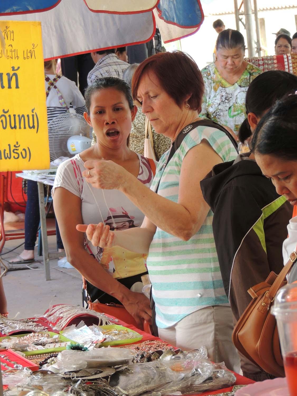 Artist Susan enjoying a painting holiday in Thailand  007.jpg