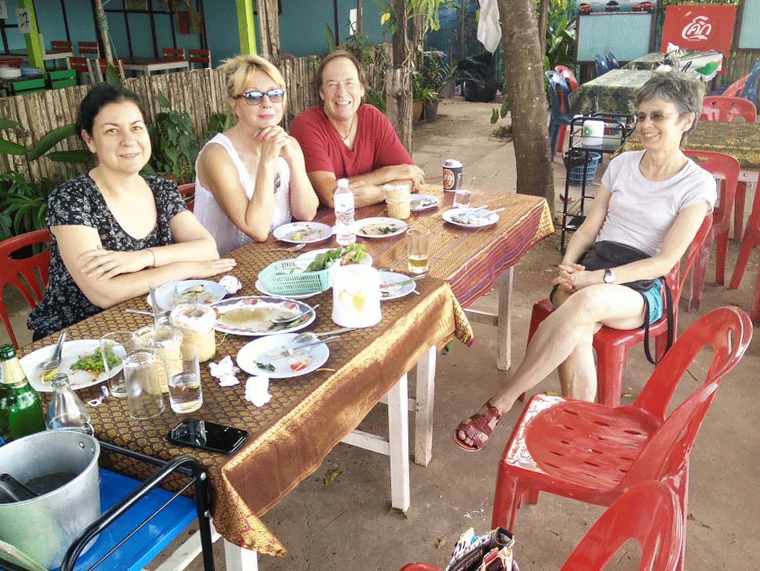 Artist Frances enjoying a painting holiday in Thailand  001.jpg