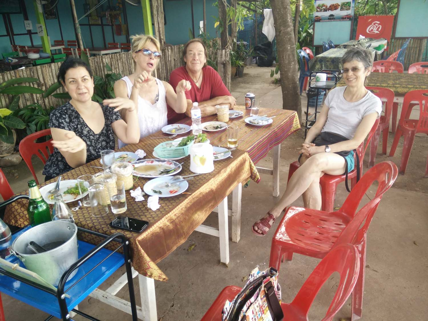 Artist Frances enjoying a painting holiday in Thailand  002.jpg