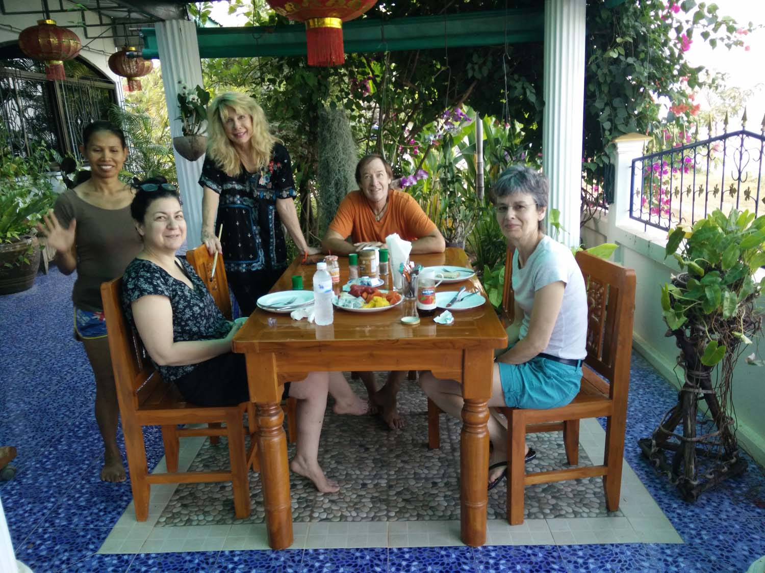 Artist Frances enjoying a painting holiday in Thailand  000.jpg