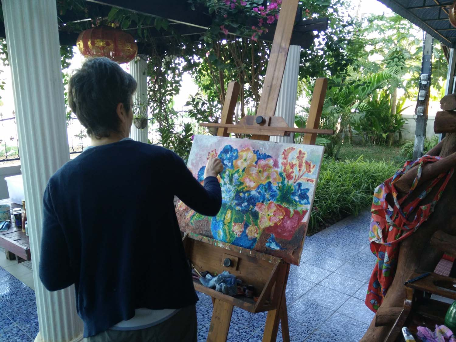 Artist Frances enjoying a painting holiday in Thailand  008.jpg