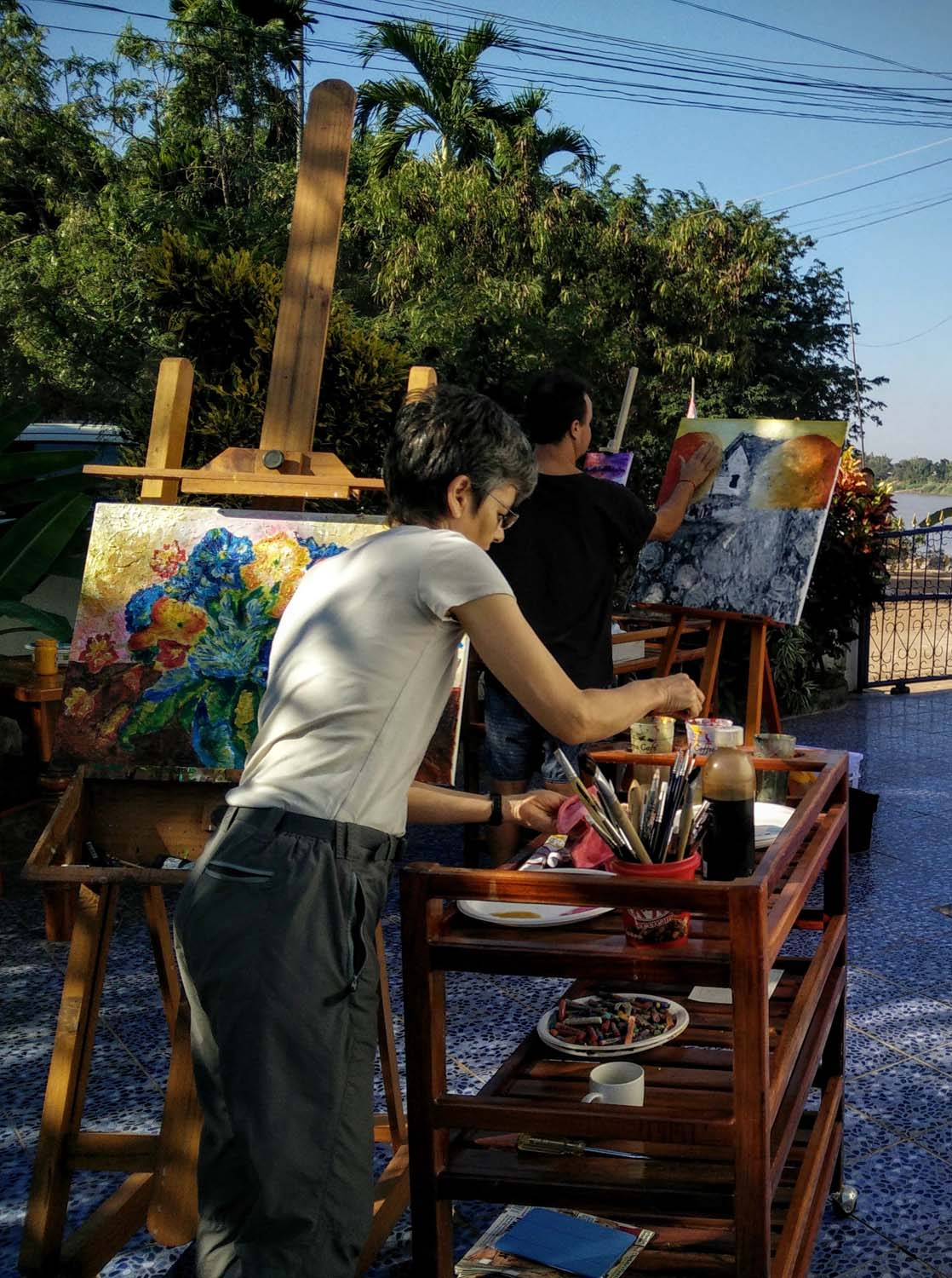 Artist Frances enjoying a painting holiday in Thailand  010.jpg