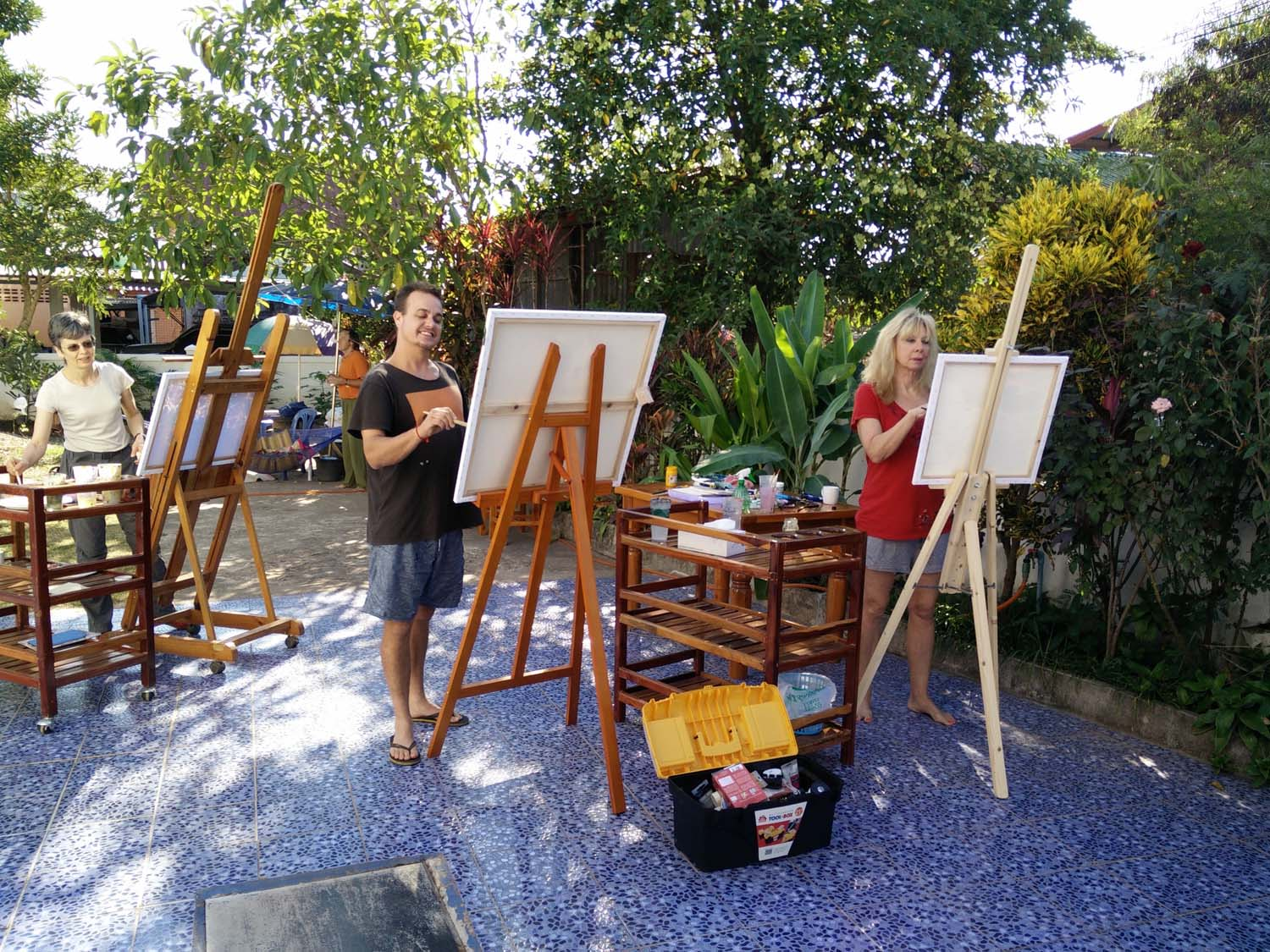 Artist Frances enjoying a painting holiday in Thailand  012.jpg