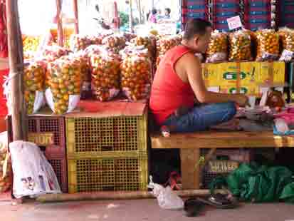 Udon Thani has the main  wholesale market  for the region.  We often go here after picking up our guests from the airport as it is crammed with fruit, vegetables etc.  We buy crates of mangoes and other fruit for our guests.  I almost live on mangoes and pawpaw when we are in Thailand