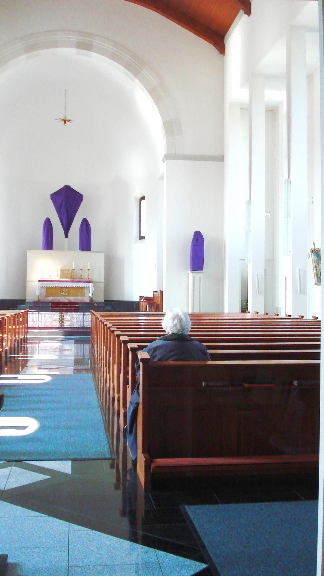 Oberriet_prayerwoman.jpg