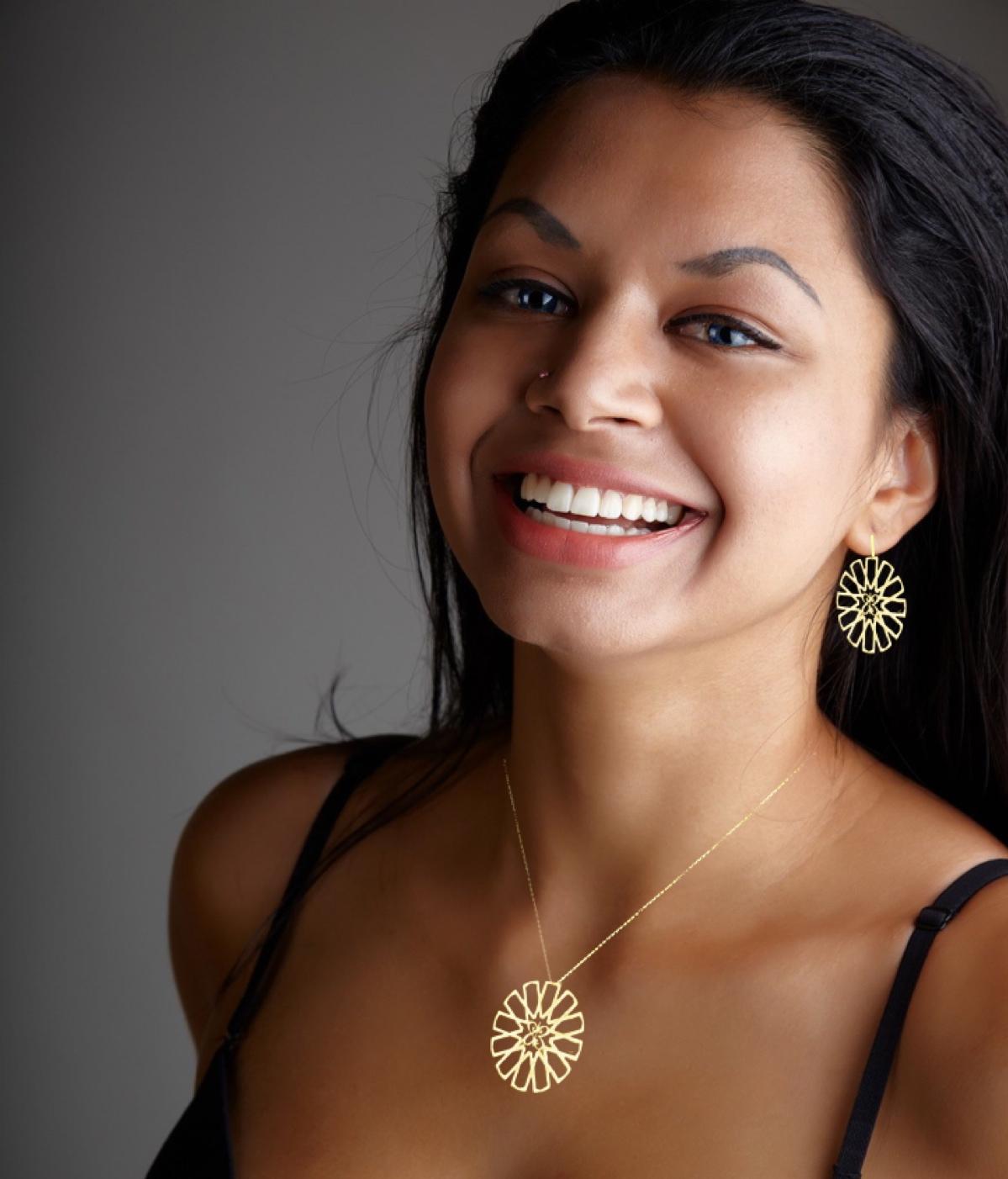 Model with Star of Islam.jpg