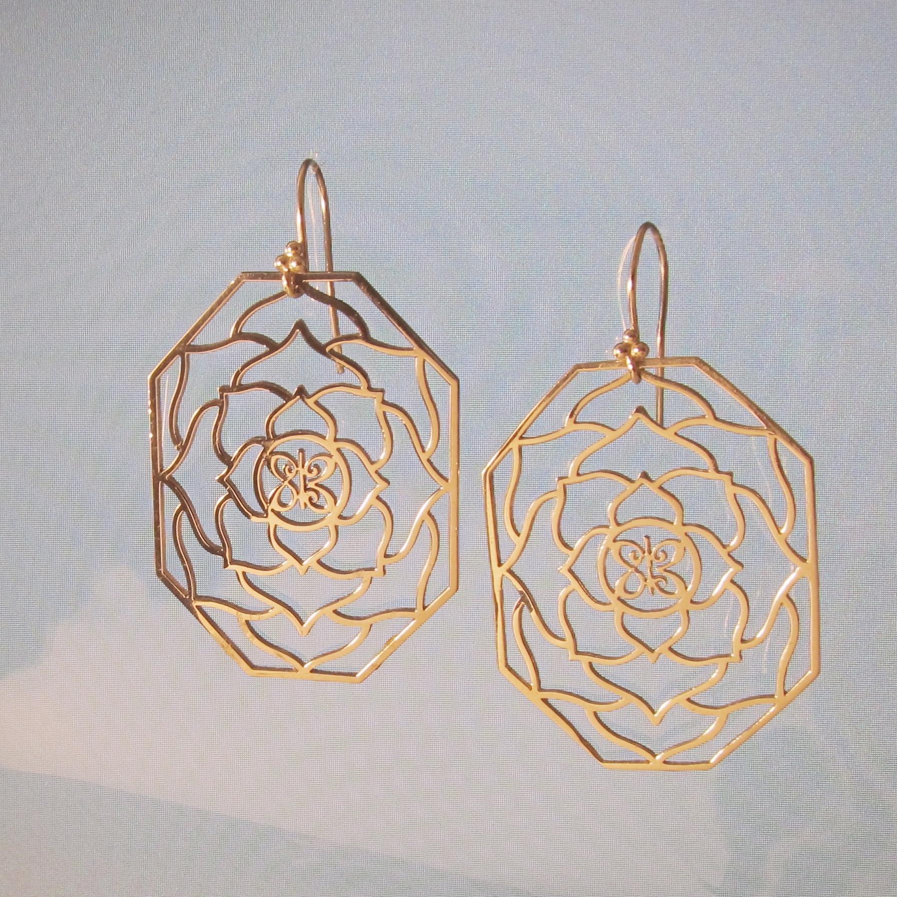 lotus ear2.jpg
