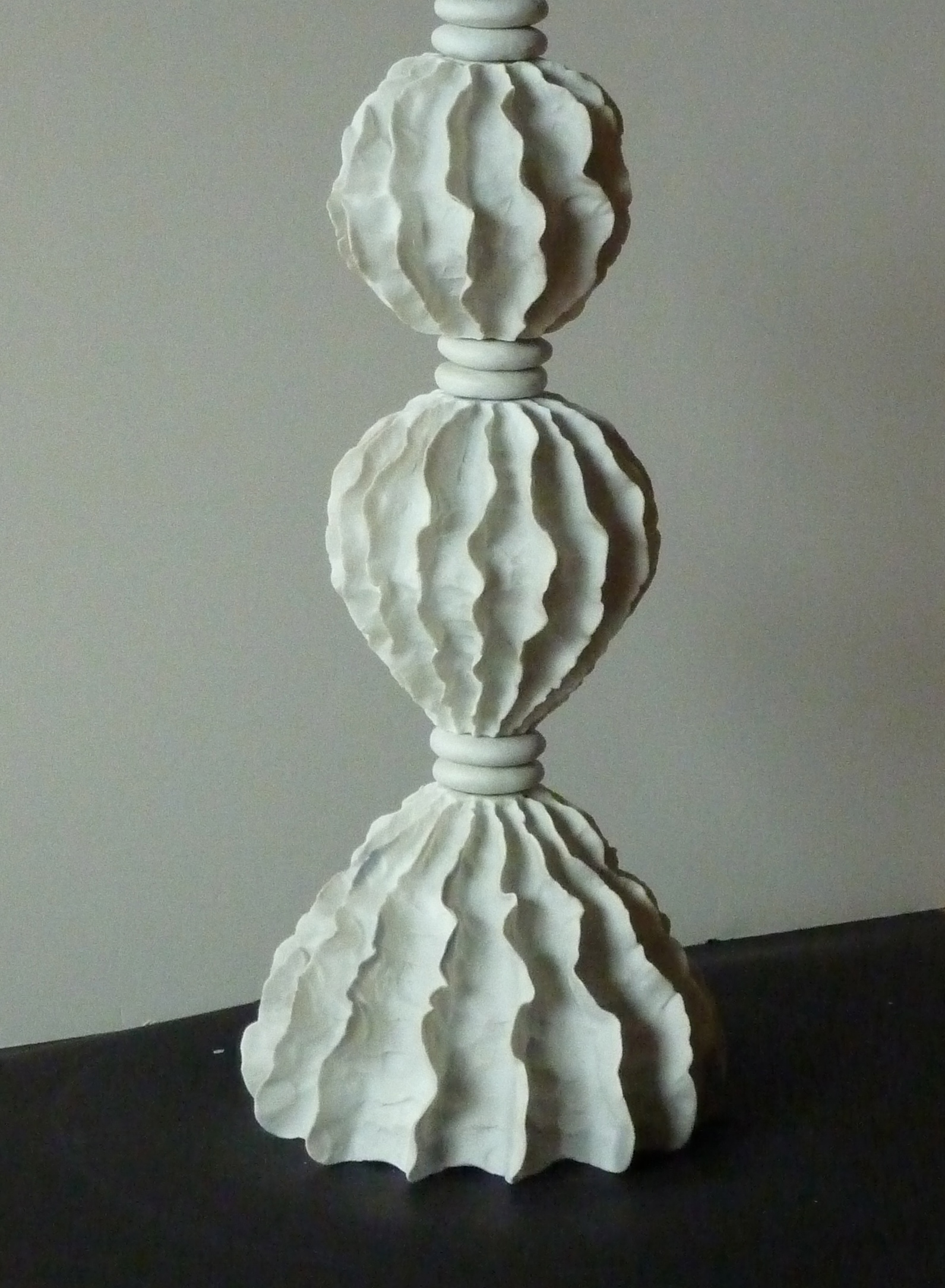 Wavy Porcelain lamp