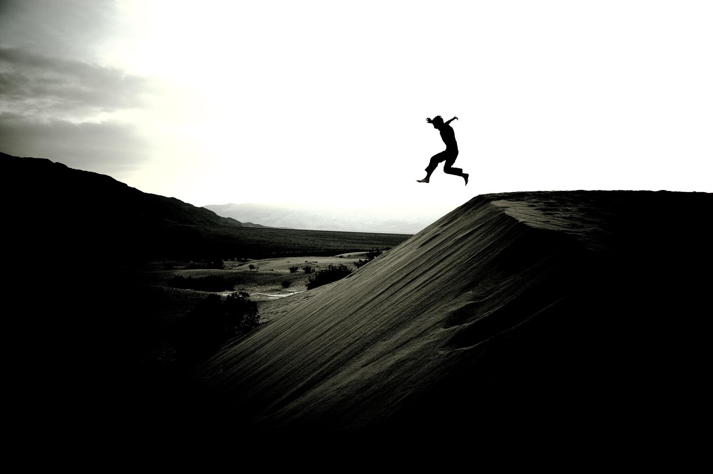 Boy_sand_dune_death_valley_print