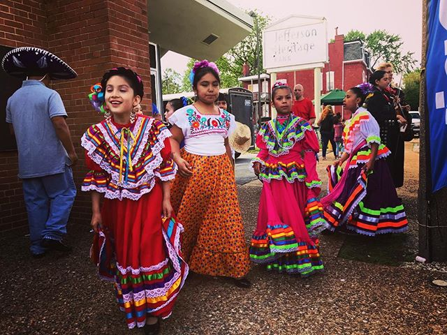 Cinco de Mayo festival on Cherokee #stl #cincodemayo #streetphotography #womenstreetphotographers #iphoneonly