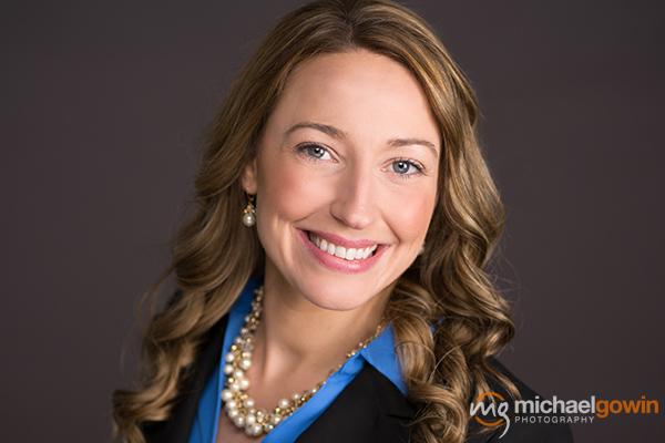 Business Portrait: Angela Daniels, Edward Jones Financial Advisor :: Michael Gowin Photography, Lincoln, Illinois