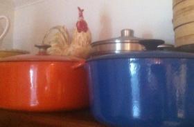 Heavy Bottom Pan. l love my cast iron Le Creuset's
