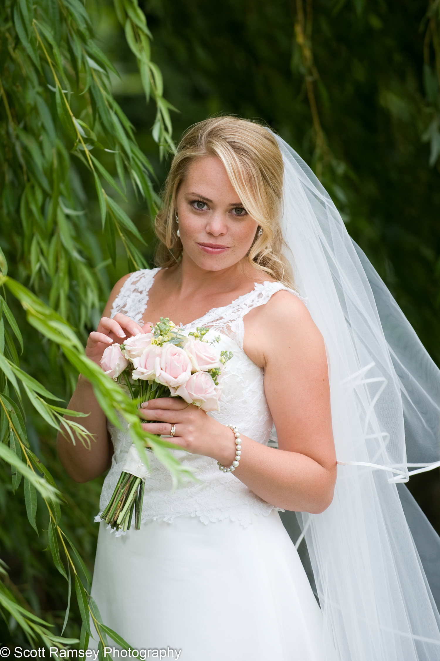 Gate Street Barn Surrey Bride