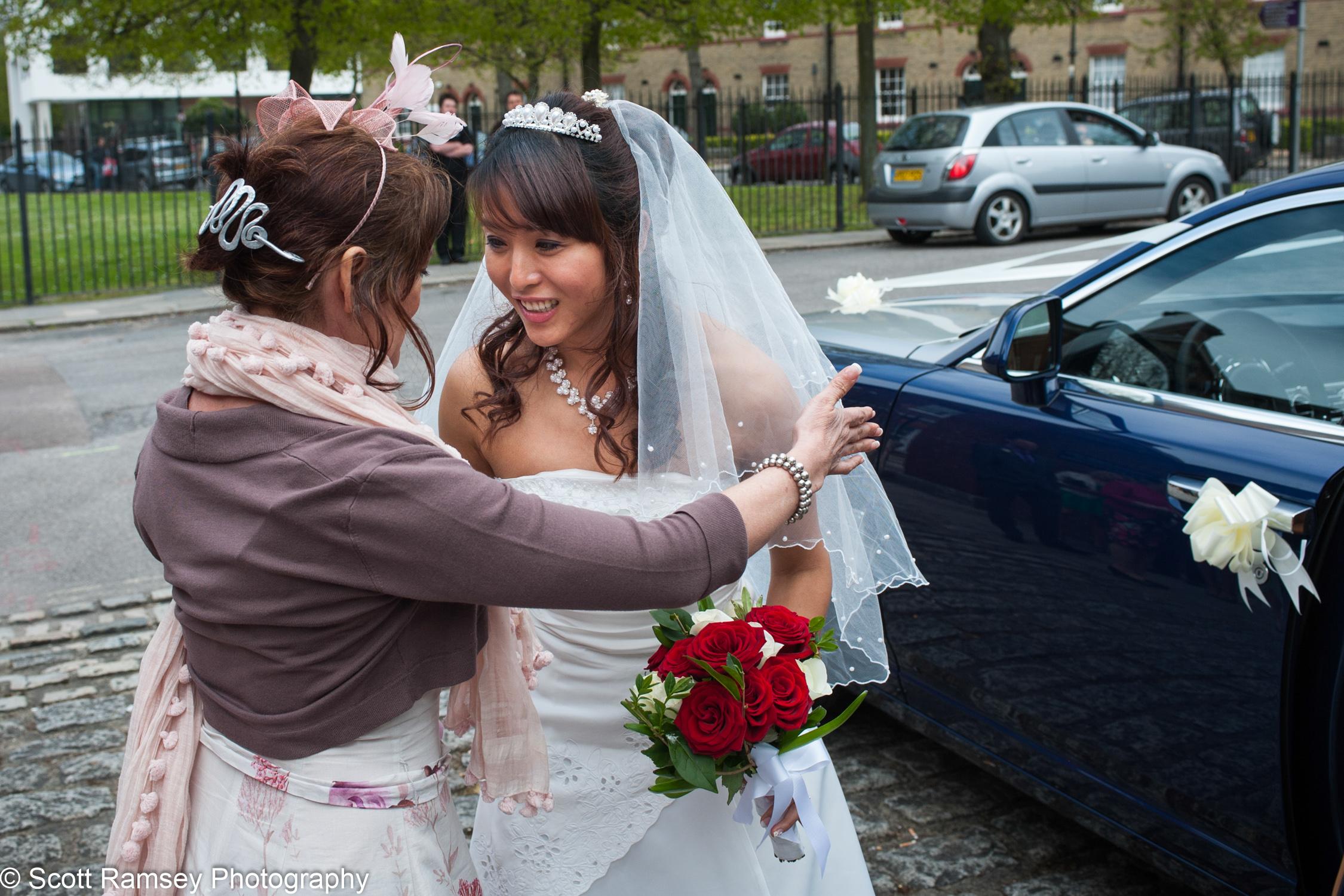 Portsmouth Registry Office Wedding Bride Welcomed 040513-05