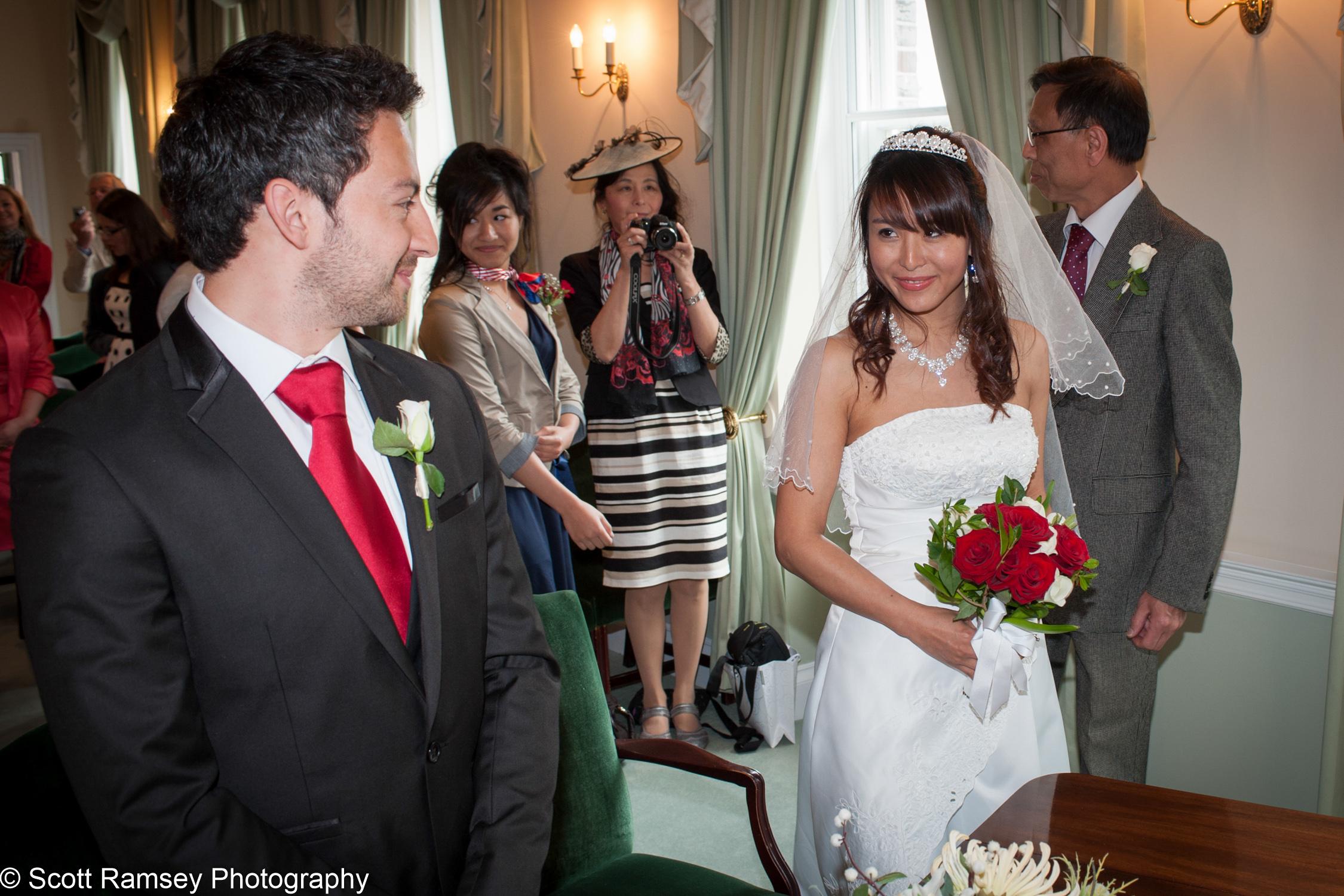 Portsmouth Registry Office Wedding Groom Sees Bride 040513-09
