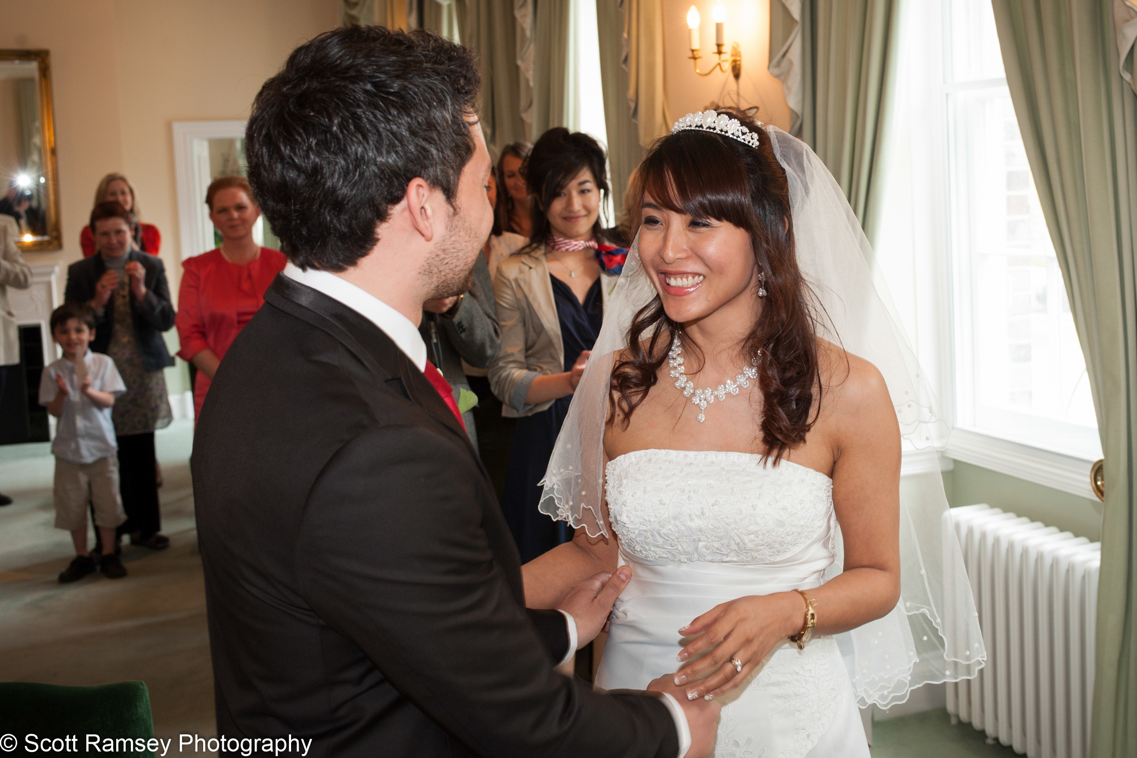 Portsmouth Registry Office Wedding Couple 040513-20