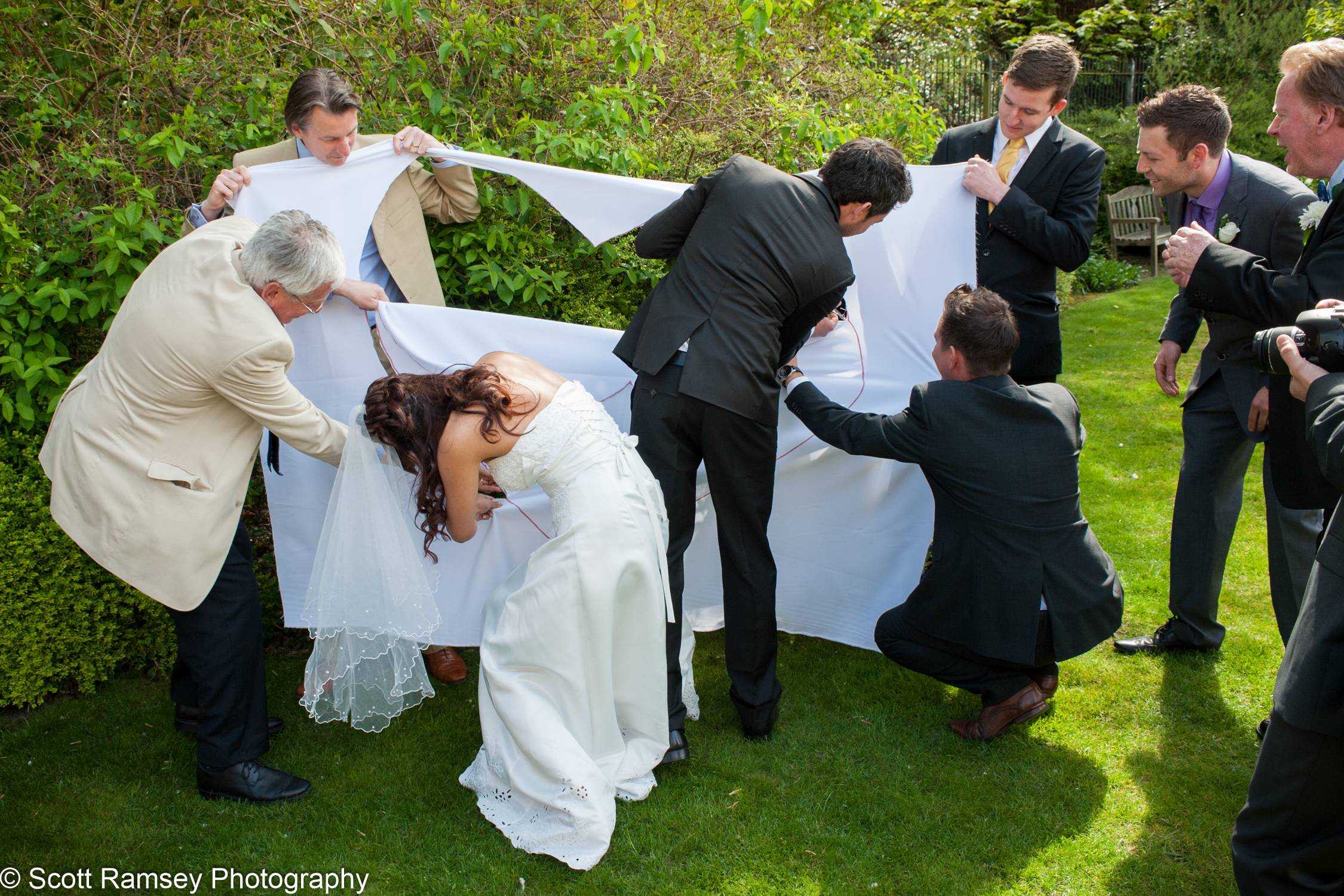 Portsmouth Registry Office Wedding Heart Cutting Game 040513-28