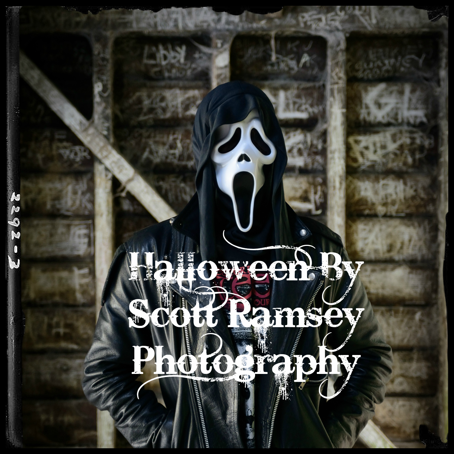 A Halloween photo shoot inspired by cult scary movies and a fashion photography shoot.