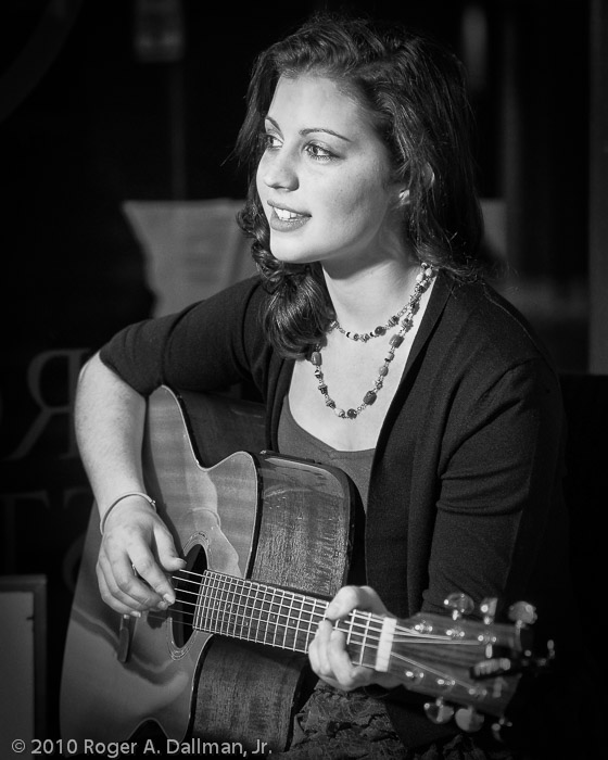 Singer/Songwriter Tina Hughes