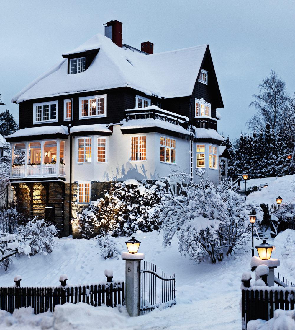 swedish house winter.jpg