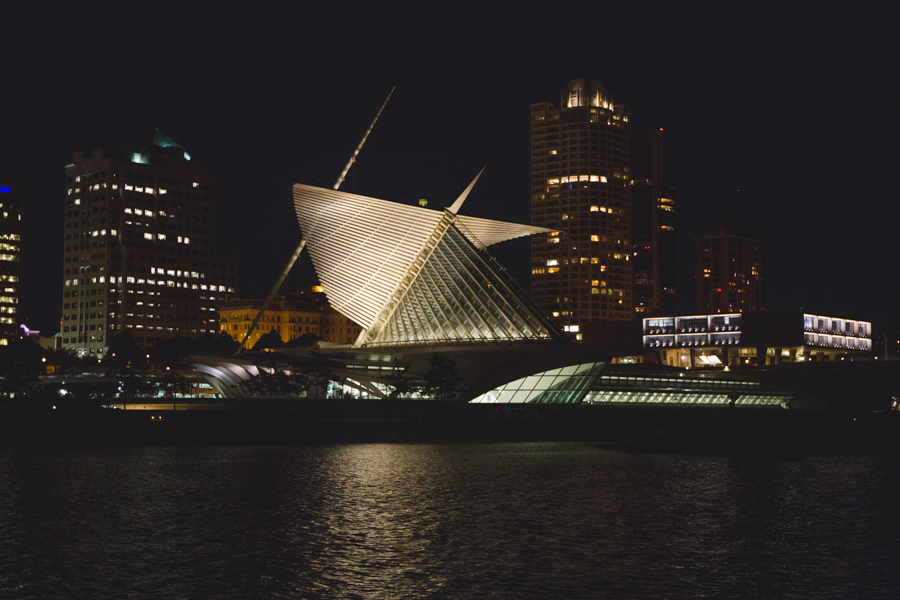 Milwaukee Art Museum Still from time lapse / Photography by Matt Haas Photography