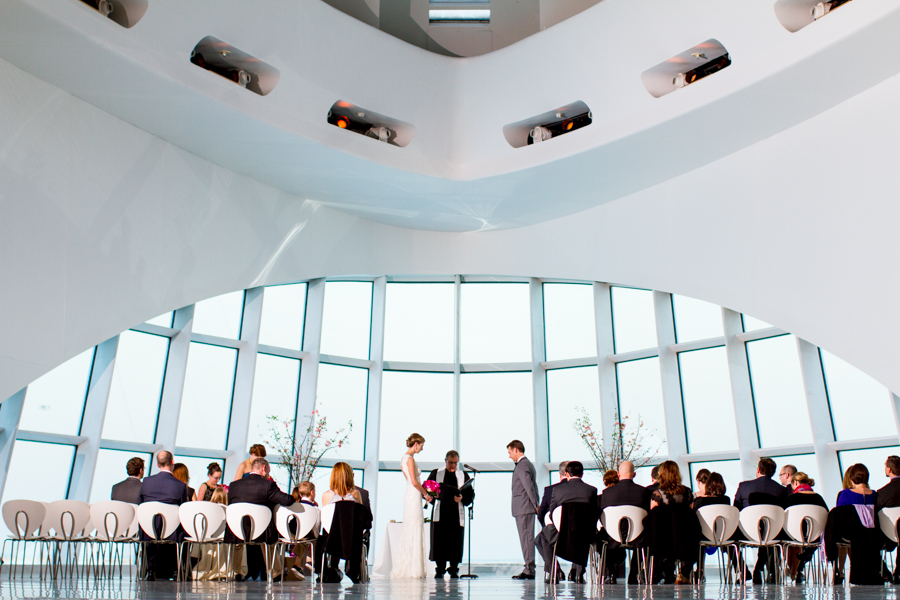 milwaukee_art_museum_wedding-42.jpg