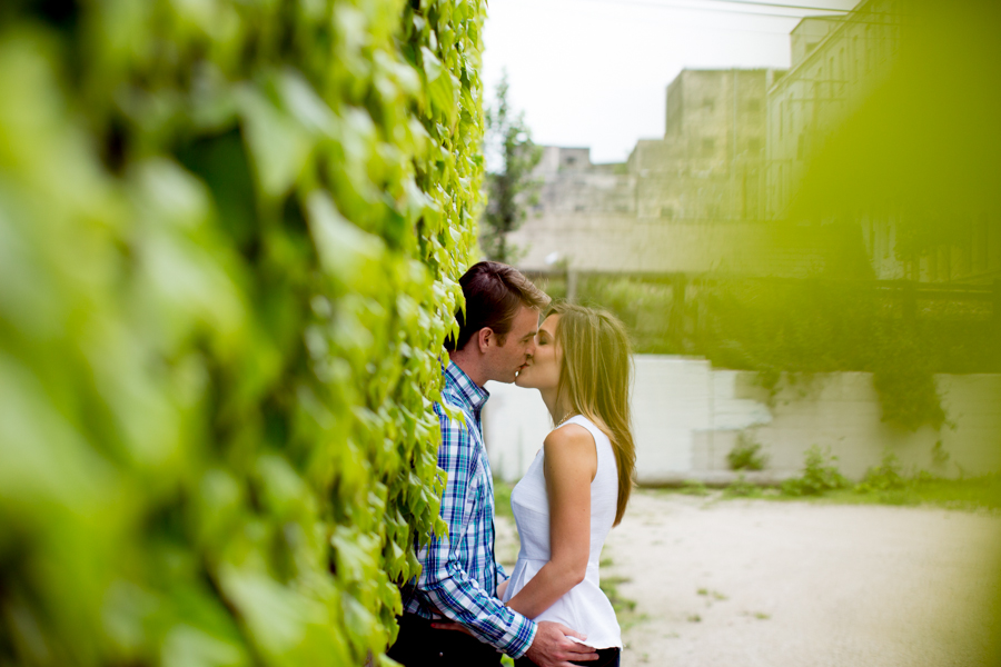 milwaukee_engagement_session_mj-18.jpg