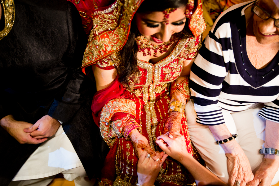 milwaukee-documentary-wedding-photography_zn-70.jpg