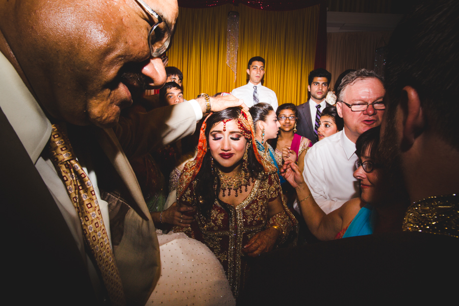 milwaukee-documentary-wedding-photography_zn-86.jpg