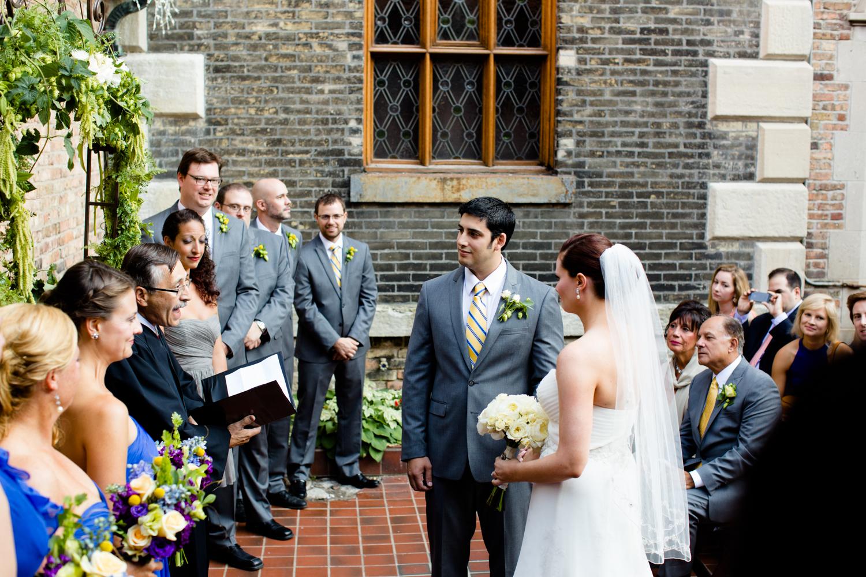 best_place_wedding_milwaukee_wisconsin_wedding_photography-047.jpg