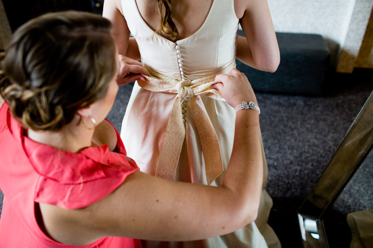 chicago_wedding_photography_at_gruen_gallery-027.jpg